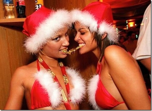 Hot-Christmas-Chicks-07