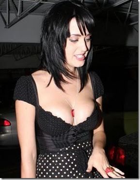 katy_perry_out_club_small