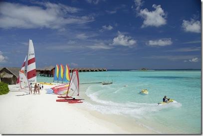 The-Luxury-Dhigu-Resort-Maldives-13