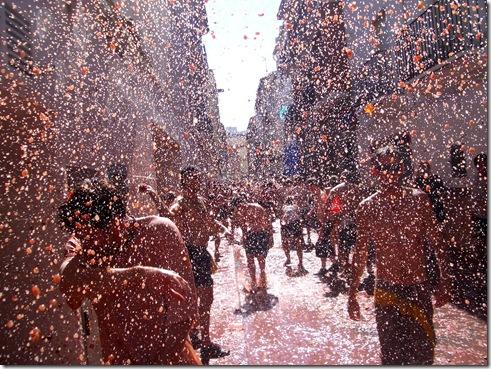 raining-tomatoes