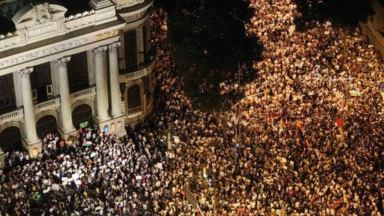 protestos-tarifa-transporte-rio-de-janeiro-20130617-03-1--size-598